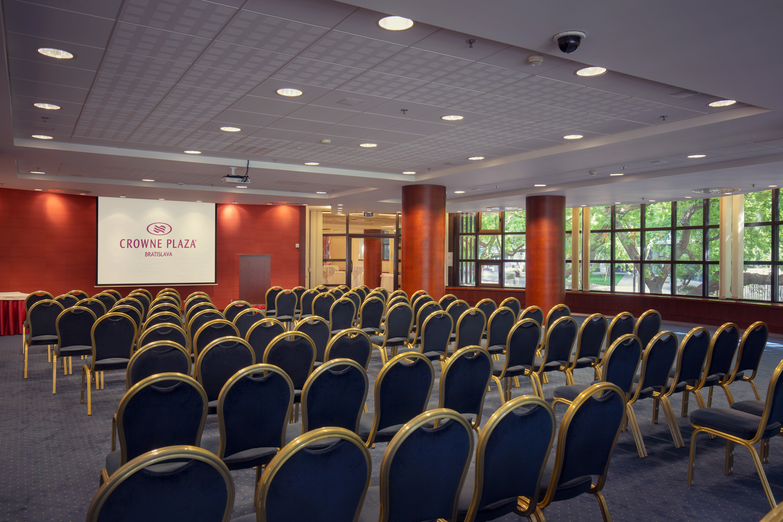 Rome konferencna miestnost